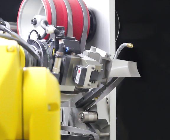 Système de polissage robotisé d'AV&R pour des pièces de turbines à gaz
