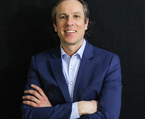 Michael Muldoon, Directeur du développement de produits d'AV&R